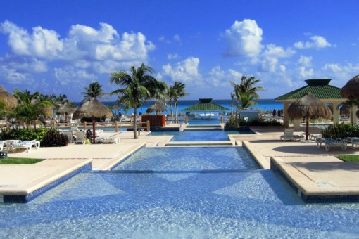 Cancun-infinity-pool