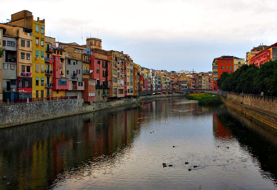 houses along the river in Costa Brava