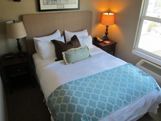 room at Maritime Inn Gig Harbor