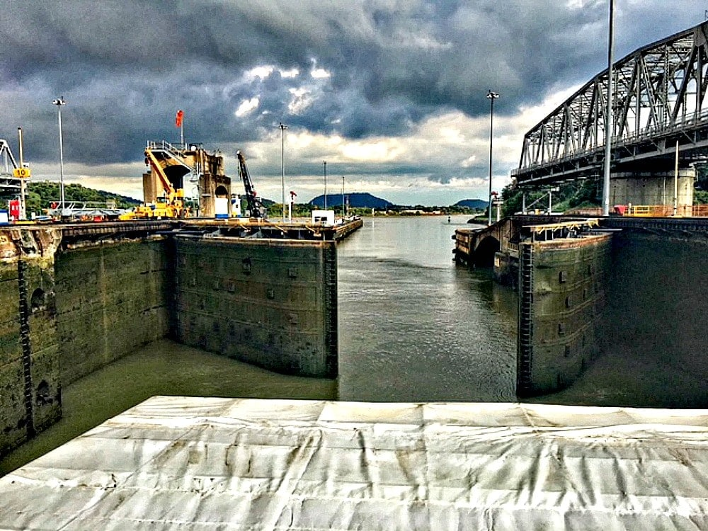 locks in the panama canal