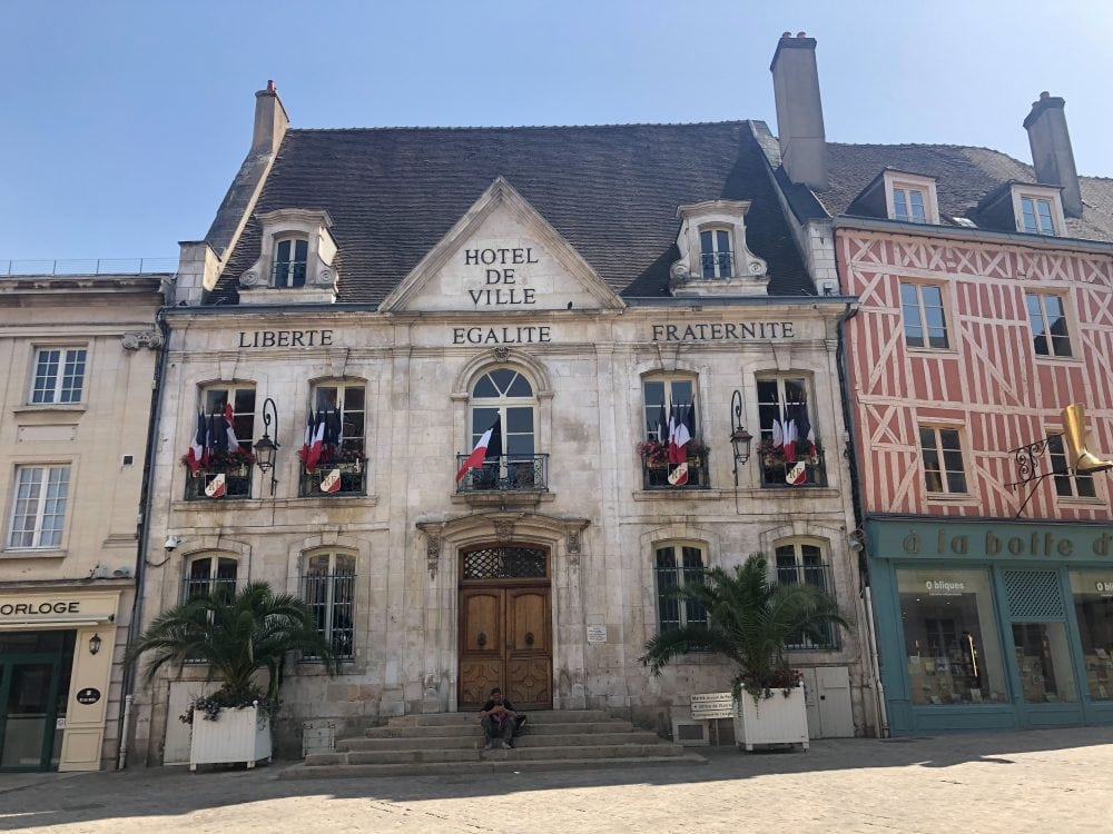 Auxerre in known for its Renaissance architecture