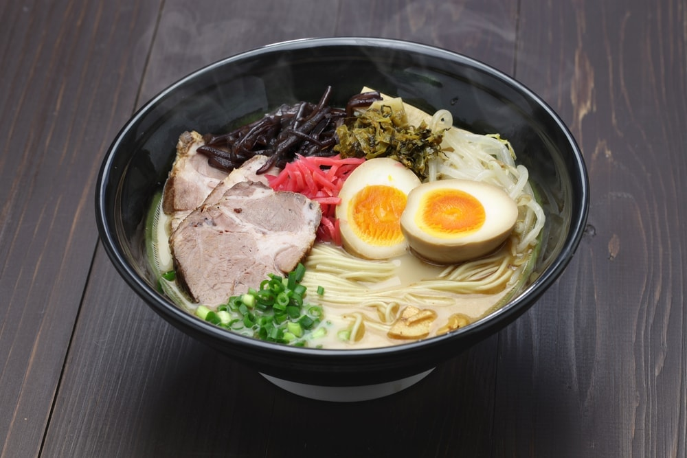 A delicious bowl of ramen is one of the delicious must-try Japanese foods recommended for a visit to Tokyo.